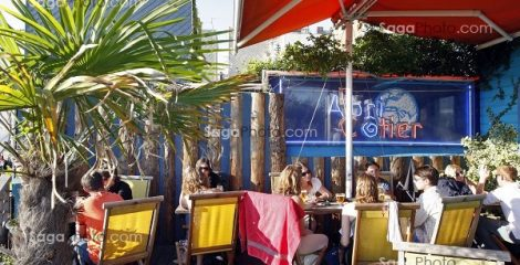CAFE EN BORD DE PLAGE 'L'ABRI COTIER', LE HAVRE, SEINE-MARITIME (76), NORMANDIE, FRANCE // 'L'ABRI COTIER' CAFE ON THE BEACH, LE HAVRE, SEINE-MARITIME (76), NORMANDY, FRANCE